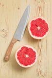 Gesneden rode grapefruit Stock Foto's
