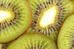 Gesneden sappig kiwifruit Mening van hierboven stock foto