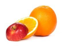 Gesneden sinaasappel en appel Stock Afbeelding