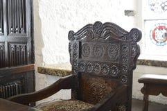 Gesneden stoel - antiquiteit in Bunratty-Kasteel royalty-vrije stock afbeelding
