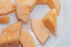 Gesneden van meloen op plaat Royalty-vrije Stock Foto's