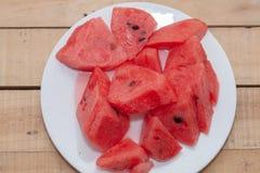 Gesneden van watermeloen op plaat Royalty-vrije Stock Afbeeldingen