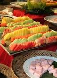 Gesneden vruchten in buffetdiner Stock Fotografie
