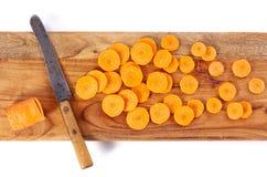 Gesneden wortel op hakbord Royalty-vrije Stock Foto