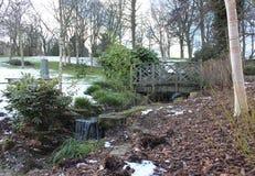 Gesneeuwd Openbaar Lister-Park in Bradford England Stock Afbeeldingen