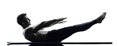 Geïsoleerde de geschiktheid van mensen pilates oefeningen Stock Foto's