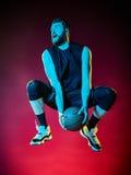 Geïsoleerde de mens van de basketbalspeler Stock Foto's