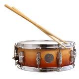 Geïsoleerde trommel en trommelstokken Royalty-vrije Stock Foto's