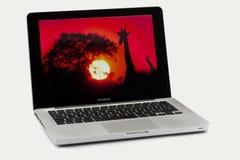Geïsoleerdl Laptop van MacBook Pro van de appel - Stock Foto's