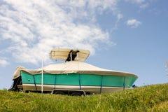 Gespeichertes Fischerboot stockfotografie