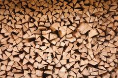 Gespeichertes hartes Holz geschnitten für Feuerplatz Lizenzfreie Stockfotos