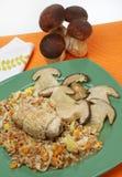 Gespeld met vlees en paddestoelen Stock Fotografie