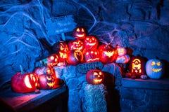 Gespenstische Halloween-Kürbise Stockfotos