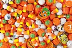 Gespenstische orange Halloween-Süßigkeit Stockfotografie