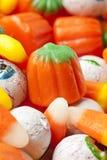 Gespenstische orange Halloween-Süßigkeit Stockfoto