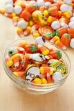 Gespenstische orange Halloween-Süßigkeit Lizenzfreie Stockbilder