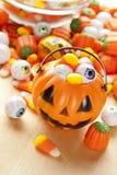 Gespenstische orange Halloween-Süßigkeit Lizenzfreies Stockbild