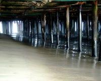 Gespenstische Pier-Unterwelt Stockbild