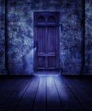 Gespenstische Tür Stockbild