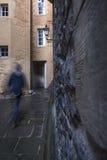 Gespenstische Zahl geht durch Edinburgh-Weg Stockfoto