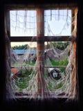 Gespenstisches Fenster stockfotos