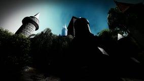 Gespenstisches Schloss in den Bergen stock video
