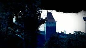 Gespenstisches Schloss in den Bergen stock video footage