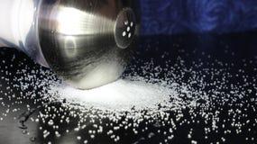 Gespitzter Salz-Schüttel-Apparat Stockfotos