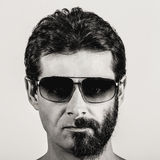 Gespleten persoonlijkheid - portret van de mens met half geschoren gezicht Stock Afbeeldingen