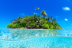 Gespleten schot van tropisch eiland Royalty-vrije Stock Foto
