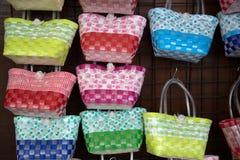 Gesponnene Handtaschen stockfoto