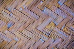 Gesponnenes Bambusmuster für Hintergrund Hölzerne BambusGewebebeschaffenheit des Handwerks Alte spinnende Musterbambusbeschaffenh Stockbilder