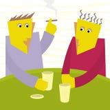 Gespräch mit zwei Freunden in einem Stab Lizenzfreies Stockbild
