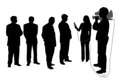Gesprek met groep mensen met cameraman stock illustratie