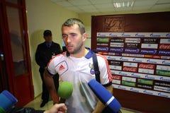 Gesprek met Russisch voorwaarts voetbalteam Alexander Kerzhakov stock fotografie