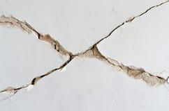 Gesso dissolto mattone della parete di danno immagine stock libera da diritti
