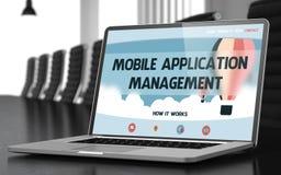 Gestão de aplicação móvel no portátil na sala de reunião 3d Foto de Stock