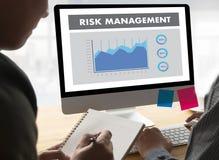 A GESTÃO DE RISCOS e o perigo do conceito do negócio perigosos impedem Imagem de Stock