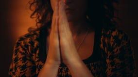gest ręką bóg ja target42_1_ kobieta zbiory wideo