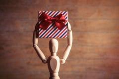 Gestalta mit Geschenk Lizenzfreie Stockbilder