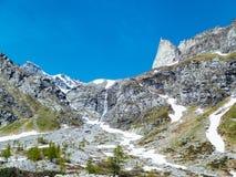 gestalten Sie Ansicht in die großartigen Winkel der Devero-Alpe in a landschaftlich Stockfoto