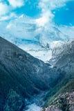 Gestalten Sie Ansicht von Berg Annapurna II im Himalaja, Nepal landschaftlich lizenzfreie stockbilder