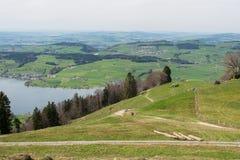 Gestalten Sie Ansicht von Luzerner See vom Berg Rigi in der Schweiz landschaftlich Wanderweg, Spur Stockfoto