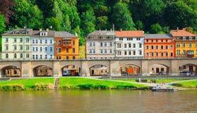 Gestalten Sie auf dem Fluss Elbe landschaftlich Stockfotografie