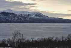 Gestalten Sie Bild des Torneträsk Sees in Schweden in Lappland-Region landschaftlich Stockfotos