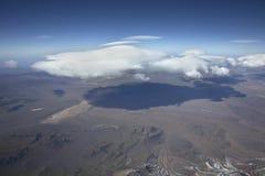 Gestalten Sie das Überfliegen der Anden und des Aconcagua-Berges landschaftlich Lizenzfreies Stockbild