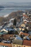 Gestalten Sie die ungarische Stadt Esztergom landschaftlich Stockbild