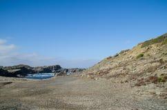 Gestalten Sie Fotografie von einem der bekanntesten Plätze in Menorca auf der Küste mit einem Leuchtturm landschaftlich lizenzfreie stockfotos