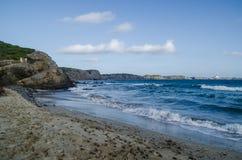Gestalten Sie Fotografie von einem der bekanntesten Plätze in Menorca auf der Küste mit einem Leuchtturm landschaftlich stockbilder