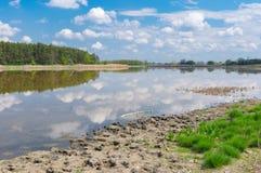 Gestalten Sie mit See Kozachy Liman in Chernetchina-Dorf, Mittel-Ukraine landschaftlich stockfotos